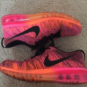 Nike Flyknit Max 7.5 in pink-orange-black coloring